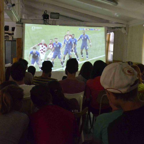 I my jsme sledovali přímý přenos finále MS ve fotbale 2018, kdo nefandil, měl možnost alternativní zábavy v režii Madam Petronelli a Thei Allegrini.