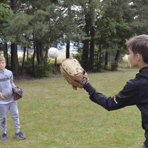 Dopolední program nejstarších oddílů - softball.