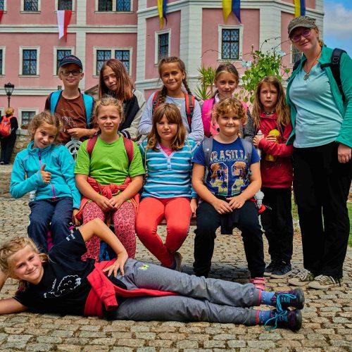Také mladší střední holky už mají v malíčku historii památek v Bečově.