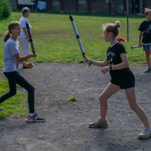 Stanoviště středověkého vyřizování vzájemných křivd se taktéž otevřelo naposledy. V akci střední holky.