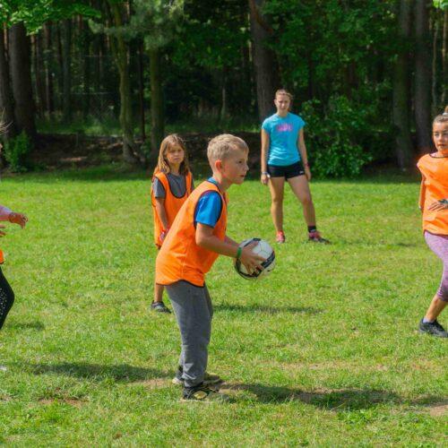 Letošní hlavní sportovní disciplína je Skřetball, páté zastavení v rámci populárně-naučné série Rukověť zaklínače. Na fotografii sice není vidět žádná odlišnost od běžných míčových her, ale opak bude brzy pravdou.