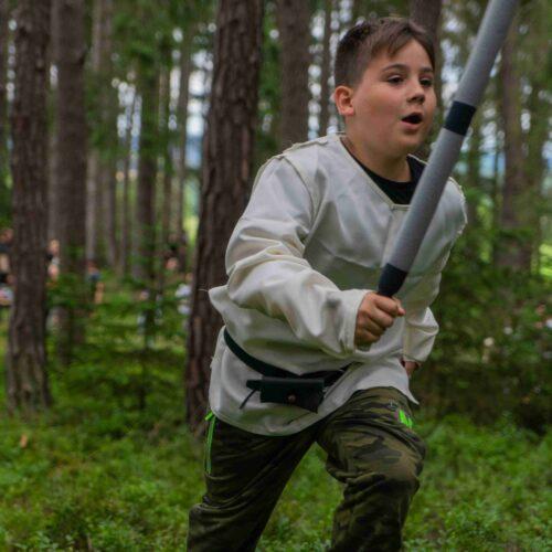 Jakmile bylo jasné, že byla spatřena dvě stejná zvířata, braly se meče a začal ostrý lov.